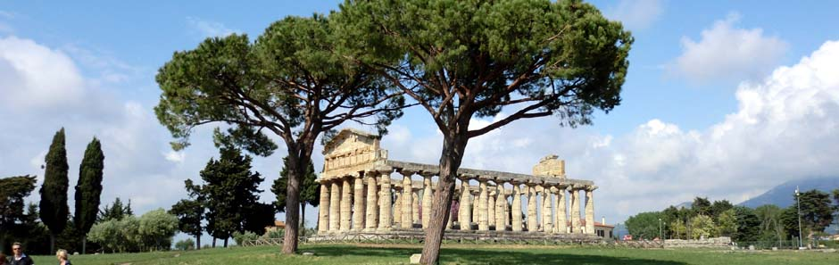 Griechischer Tempel in Paestum, Italien
