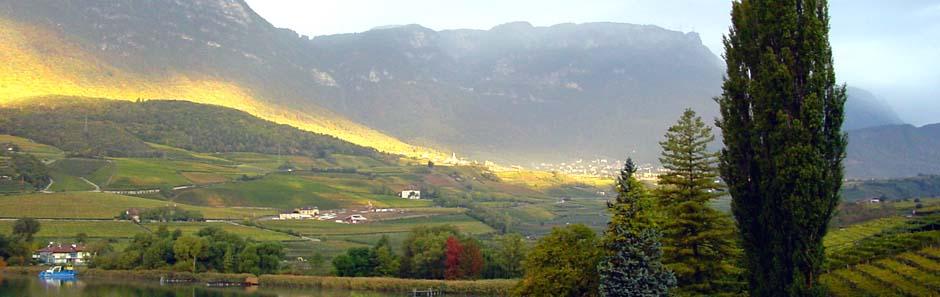 Sonnenaufgng am Kalterer See, Südtirol